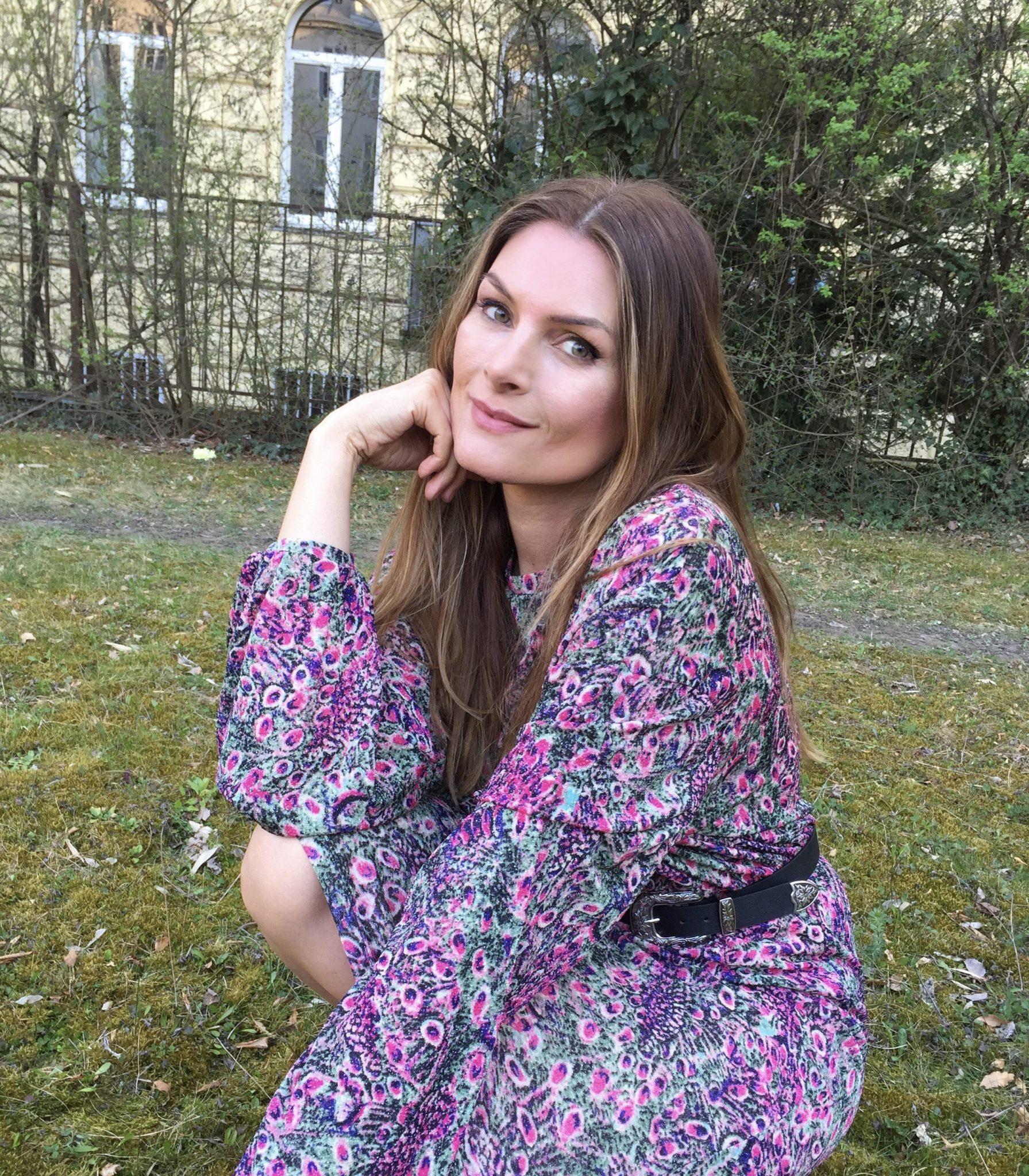 MARTINA KAISER #wirhaltenzusammen #gemeinsamsindwirstark